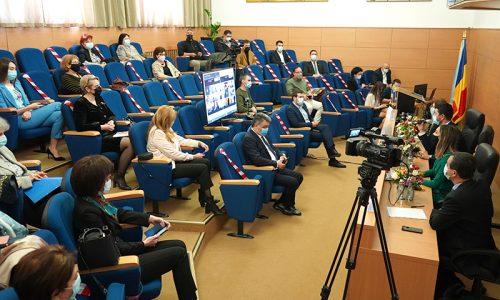"""Dezbatere pe tema """"Vaccinare și testare pentru învățare!"""", la Galați"""